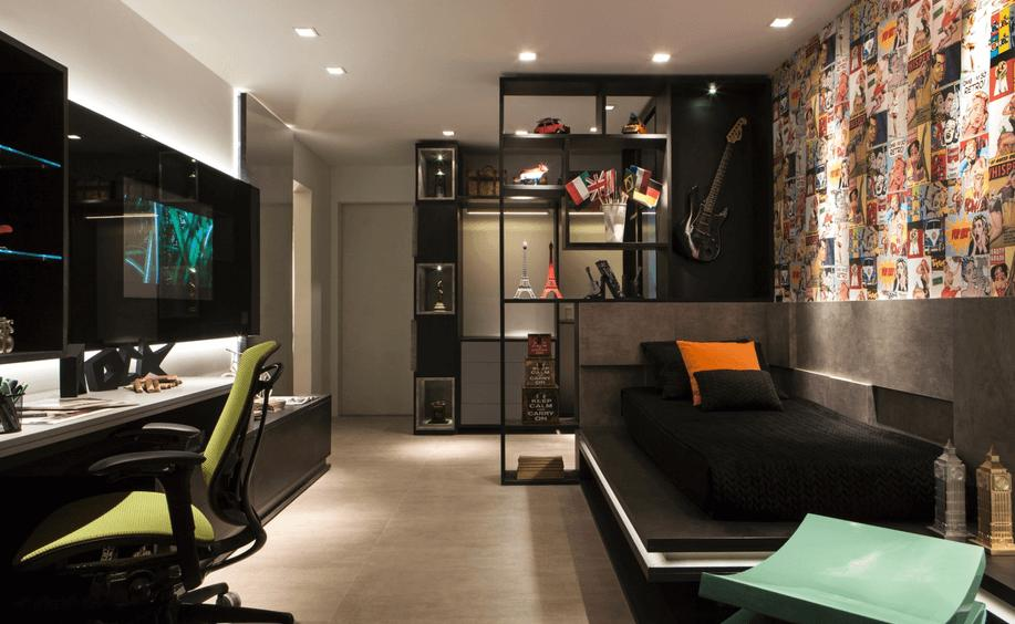 With the predominant black color, just a few colored details make all the difference in rock decor.